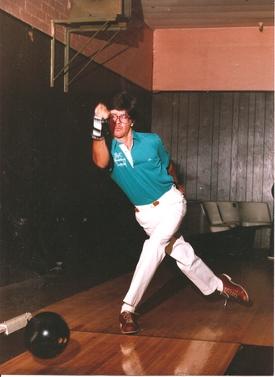 Vintage_bowling_man